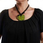 Camelia necklace green Over