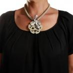 Arabesque necklace light grey Over
