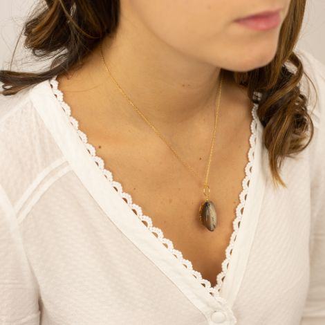 Brown cowrie necklace New frontier