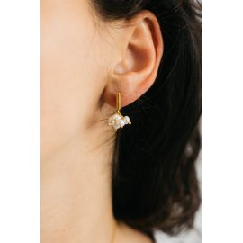 Boucles d'oreilles poussoir, pompon de perles Divine - Olivolga