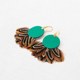 PHADREA green earrings with feather and leather -