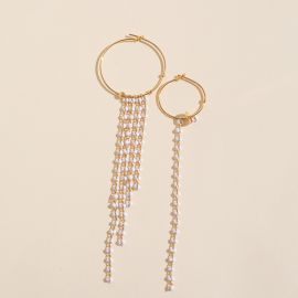 Asymmetrical hoop earrings white pearl chain - Rosekafé