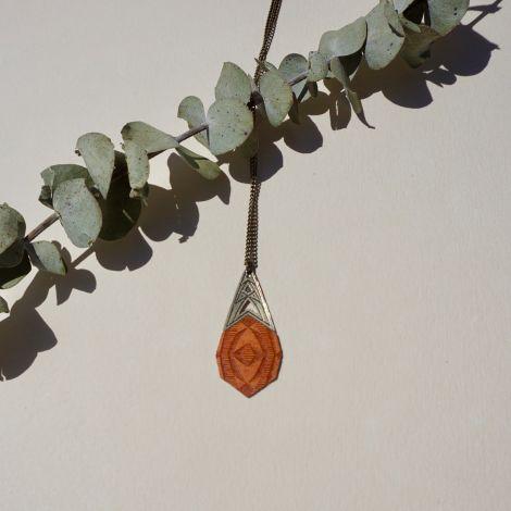 KALEIDOSCOPE orange wood necklace