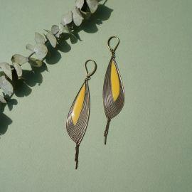 Boucles d'oreilles Pétales ambre jaune - Amélie Blaise
