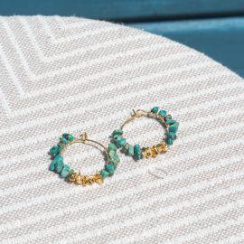 boucles d'oreilles créoles turquoise et pépites dorées à l'or fin - Olivolga Bijoux