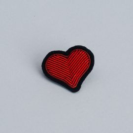 Red heart brooch (Box size S) -