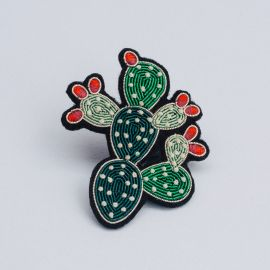 prickly pear brooch (Box size S) -