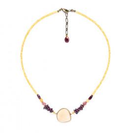small neckace with golden capiz and garnet Gardenia - Nature Bijoux