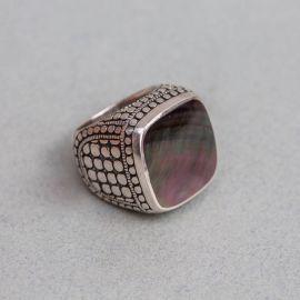 Gray mother-of-pearl ring from Madura Indonesia - Jalan Jalan