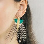 Une NOUVELLE MARQUE est disponible sur notre e-shop ! 😍Venez découvrir l'univers graphique et coloré de Lady Amherst, où la plume et le cuir sont mis en lumière ! ✨Rendez-vous sur www.olivolga.com 👁#olivolga #olivolgabijoux #olivolgajewellery #ladyamherst #2021 #pictureoftheday #jewelslovers #bouclesdoreilles #savoirfaire #mode #model #fashion #trending #tendance #original #accessoires #plume #cuir