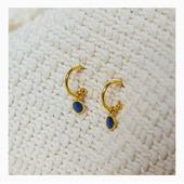 Découvrez ces magnifiques boucles d'oreilles mini créoles de la nouvelle collection Confettis. Une collection raffinée et colorée by Olivolga. 🌀Une ligne à retrouver sur www.olivolga.com 💫#olivolga#olivolgabijoux#olivolgajewellery#2020#pictureoftheday#jewelslovers#newcollection#boucles#creoles#blue