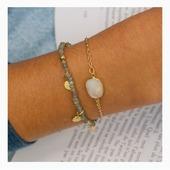 L'Atelier Des Dames vous propose des bracelets pour tous les goûts. Optez pour un bracelet coloré et orné de pierres fines ou craquez pour un bracelet plus simple qui met en avant des matières naturelles (quartz, cornaline,..). 🐚Des bracelets disponibles sur www.olivolga.com 💫#olivolga#olivolgabijoux#olivolgajewellery#2021#pictureoftheday#jewelslovers#newcollection#madeinfrance#pierrefine#atelierdesdames#savoirfaire